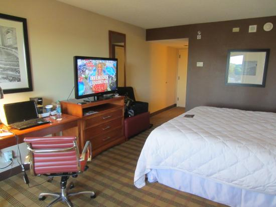 Four Points by Sheraton Nashville-Brentwood : we had the king room...