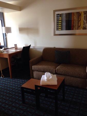 Fairfield Inn & Suites Bloomington: Room 324