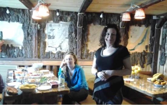 Nikola Hotel: Ресторан в необычном стиле