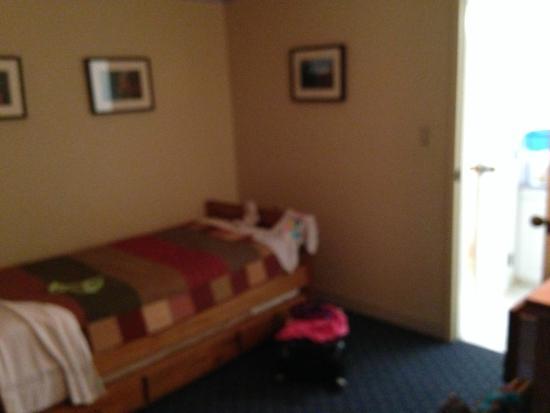 Black Bear Lodge: Half bedroom