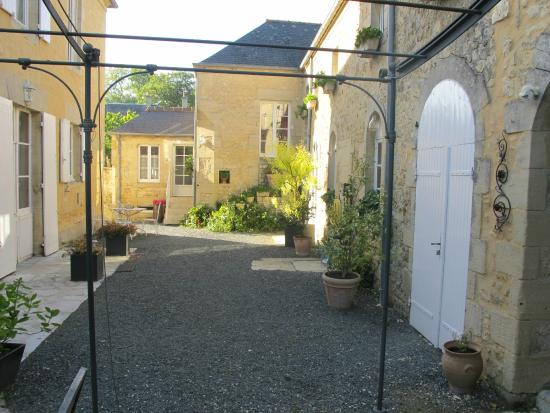 Chambres d'hotes Le Hutrel : Grounds