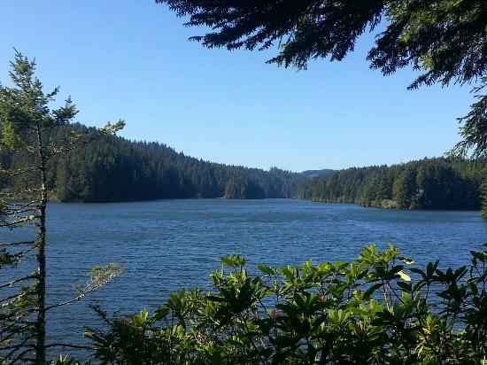 Lakeside, OR: Eel Lake at Tugman State Park