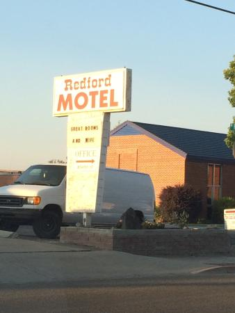 Redford Motel: We stayed in the room facing the street above the office.