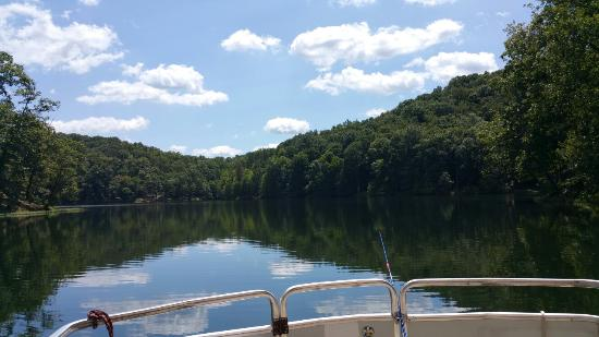 Greenup, KY : Rented a pontoon and spent a few hours on the lake fishing and relaxing.