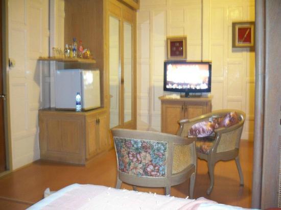 Cha-Am Methavalai Hotel: ห้องนอนภายในบ้านทรงไทยโซนหน้าสุด