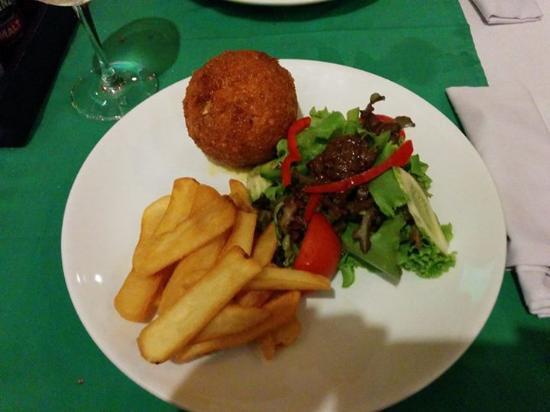 Aussie XL Cafe: Chicken Kiev