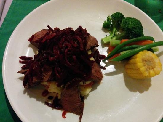 Aussie XL Cafe: Kangaroo steak