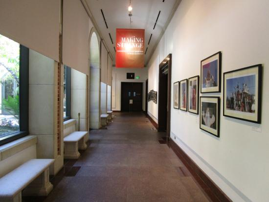 Fowler Museum : Typical hallway