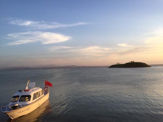 HeXie ShangYeJie: HuangHe Bian/Wuhai Hu - Amazingly beautiful at sunset