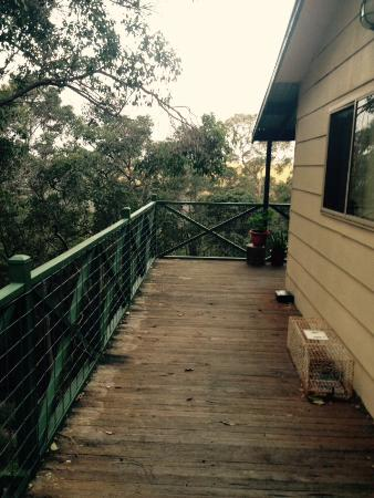 Nannup Hideaway Spa Cottages & Retreats: Left side of the cottage