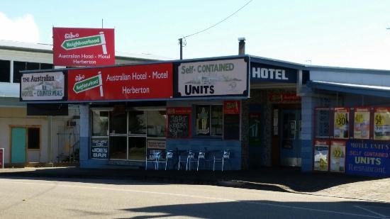 Australian Hotel / Motel