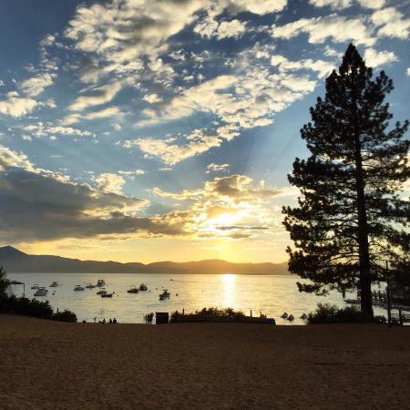 Heavenly Valley Lodge Bed & Breakfast: photo4.jpg