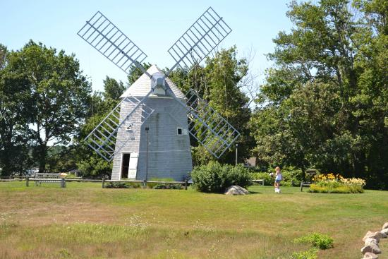 Orleans Waterfront Inn: Adjacent Windmill next to Orleans Inn