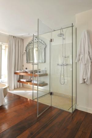 La Maison d'Aix: Salle de bains