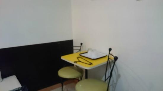 Hotel Pier Cuatro: smallest room is enough comfortable