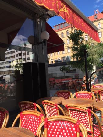 Evas Paley Cafe: Solig förmiddag vid Avenyn