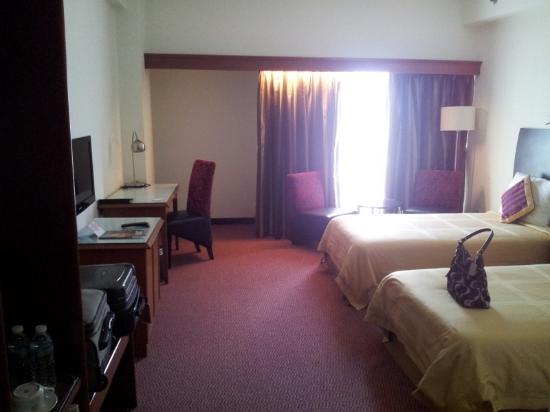 Grand Continental Kuantan: The room