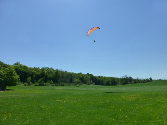 Millerton, estado de Nueva York: Learn to fly in New York with Letsgoparagliding.