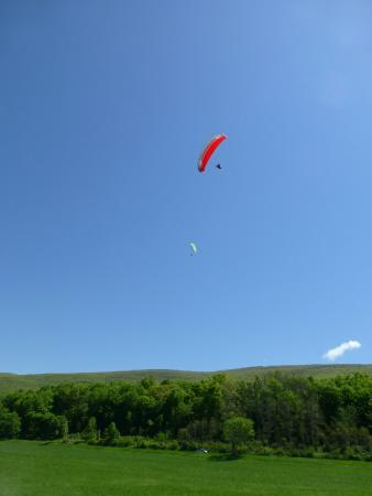 Millerton, estado de Nueva York: Learn to fly with Let's Go Paragliding,LLC in NY