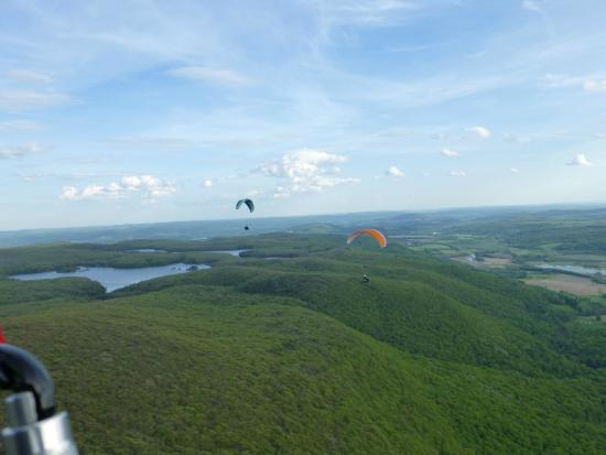 Millerton, estado de Nueva York: Learn to fly a paraglider upstate New York.