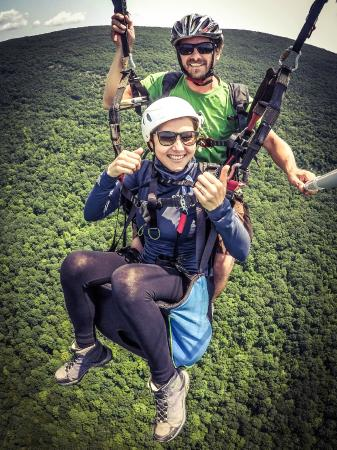 Millerton, นิวยอร์ก: Flying with a tandem paragliding instructor in New York
