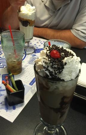 Friendly's Ice Cream Restaurant