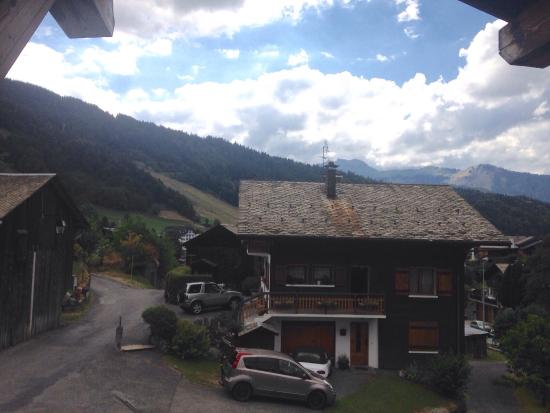 More Mountain - Chalet Robin: View from the kitchen breath taking