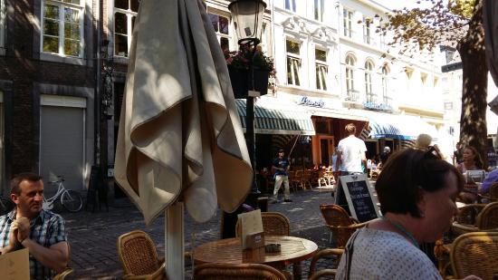 Café Charlemagne