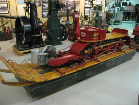 Alaska Museum of Transportation and Industry : Early snowmobile