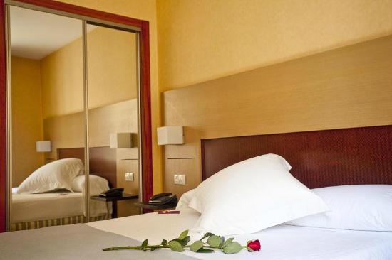 Hotel Gravina Cinco: Habitación