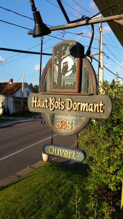 Haut Bois Dormant: B&B sign