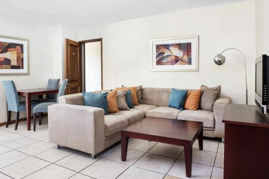 Faircity Grosvenor Gardens: Guest lounge