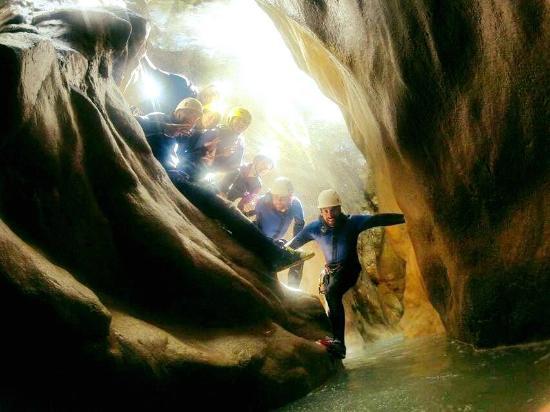 Bureau des Guides de Canyon : Passage étroit
