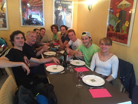 Couscous tunisien et racines raffin s id al pour une for Idee de diner sympa entre amis