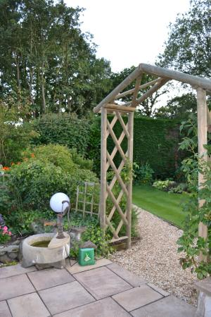 Lyth Hill, UK: Garden