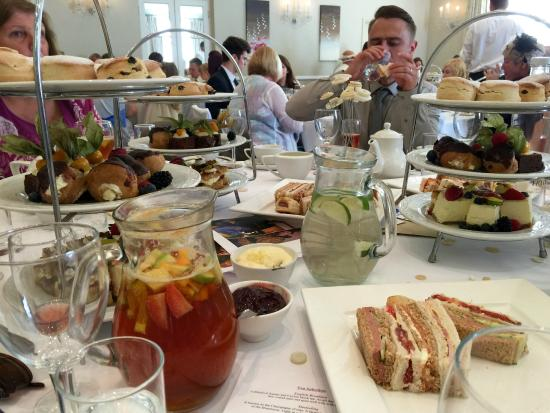 Forest Lodge Hotel Great Food For The Afternoon Tea Wedding Breakfast