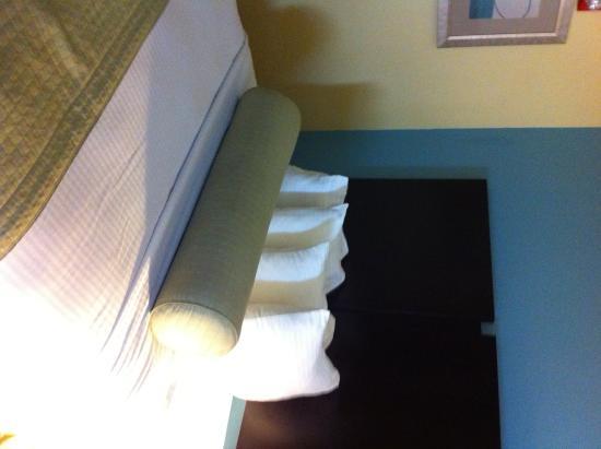 BEST WESTERN PLUS Goodman Inn & Suites: queen room