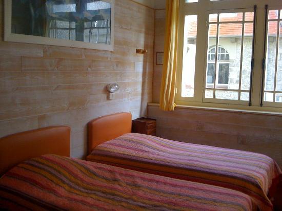Riva Bella : Chambre confort côté mer (douche,wc,lavabo)