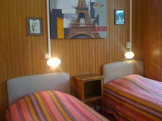 Riva Bella : Chambre famille 4 couchages (SDB)