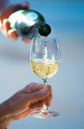 Moccasin Vin&Kaerlighet: wine outside