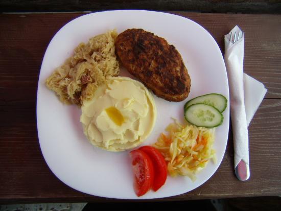 Bavaria Pub: Chicken schnitzel