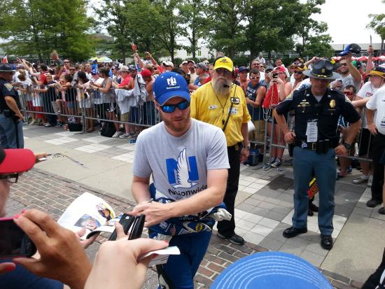 La Quinta Inn & Suites Indianapolis Downtown: Dale Earnhardt jr. walked in front of me