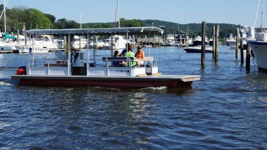 """Έσεξ, Κονέκτικατ: The """"water ferry"""" to Marley's"""