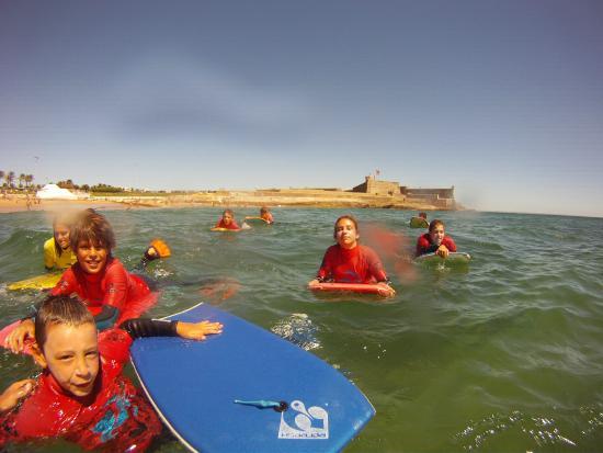 7 Essencia Surf & Bodyboard School: Aula de Bodyboard infantil // Kids Bodyboard lesson