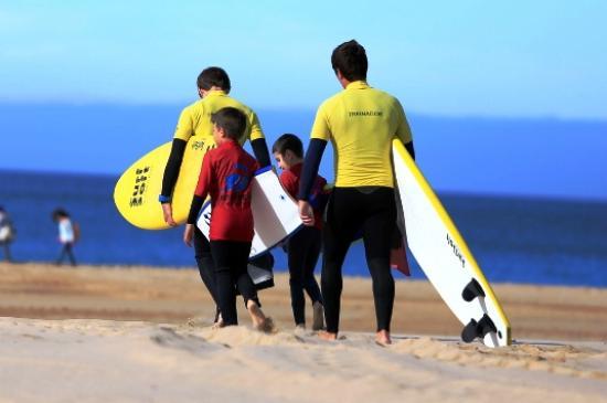 7 Essencia Surf & Bodyboard School: Aula infantil