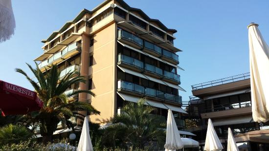 Hotel Caesar : Mail building with reception and restaurant