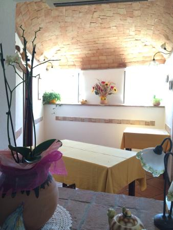 Agriturismo Beppe e Lucia: We had a wonderful lunch in a beautiful setting above Final Borgo. Mother/son cook, while the fa