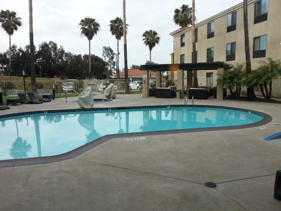 Holiday Inn Express Hotel & Suites Carlsbad Beach : Pool