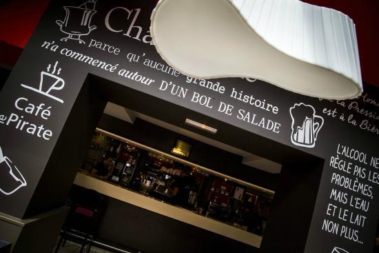 Café Le Pirate : Le bar