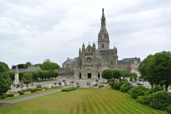 ‪Basilique de Sainte Anne D'auray‬